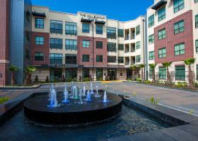 The Millennium High Street fountain area