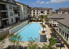 Camden La Frontera pool