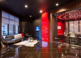 Ashton Austin lounge