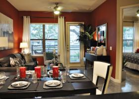 Avenue R dining and living