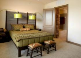 La Frontera Square bedroom